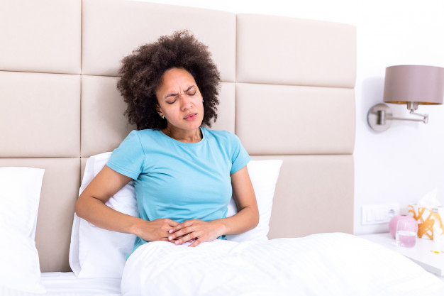 Mujer con apendicitis.