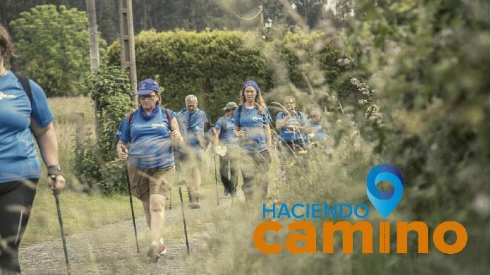 personas con diabetes caminan para mantenerse activas
